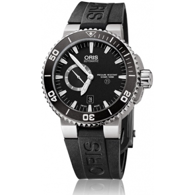aquis-titan-small-second-date